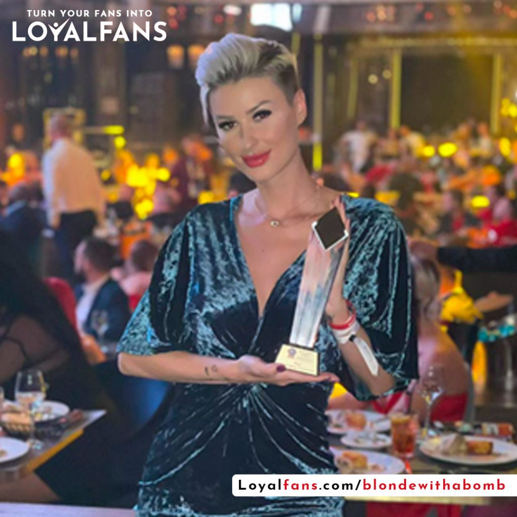 blondewithabomb best emerging company Loyalfans